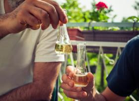 """Употребата на алкохол """"в умерени количества"""" не е безопасна"""