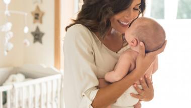 Д-р Зорка Угринова: Закаляването на бебето започва от раждането
