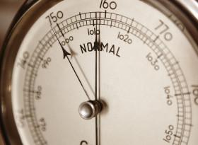 Ниско атмосферно налягане: как влияе на човек?