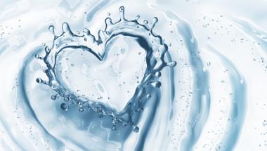 """Д-р Павел Николов: Сърцето """"обича"""" водата  - забравете за кафето и газираното в жегите"""