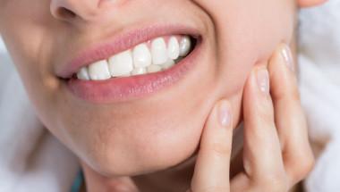 Домашни средства при зъбобол