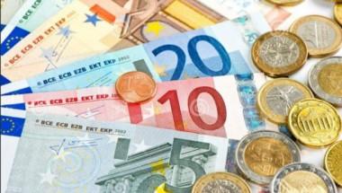 Монетите или банкнотите пренасят повече вируси?