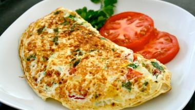 Диетолог посочи коя е най-здравословната закуска и с какво никога да не започваме деня си