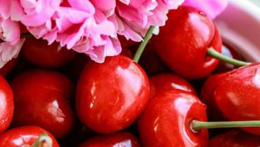 """Диетолог обясни как се """"обезопасяват"""" черешите и кой не трябва да ги яде"""