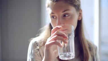 Дори не може да си представите какъв ефект има чаша вода на празен стомах