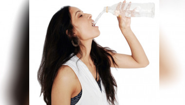 Пет заблуди за ползите от пиенето на много вода