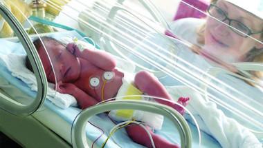 """Анелия Бугерова: Правят чудеса в Хирургия на новороденото в """"Пирогов"""""""