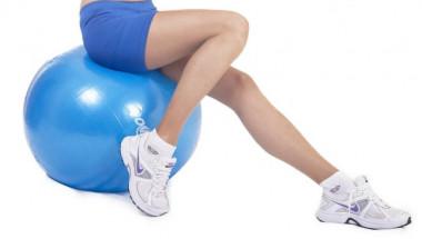 5 ефективни начина да се справим с подуването на краката