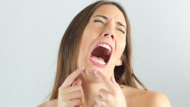 Аспирин за лице срещу акне: ползи и вреди