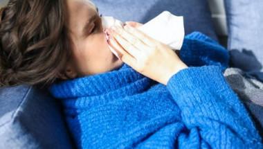 Лекари обясняват разликата между настинка, коронавирус и грип