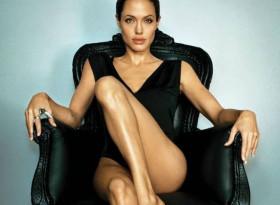 Правете тези упражнения и скоро ще изглеждате като Анджелина Джоли СНИМКИ