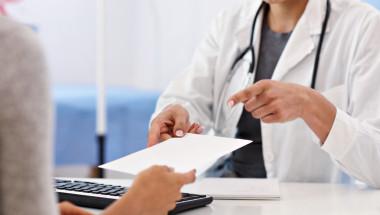 Може ли личният лекар да ми издаде рецепта, която се застъпва с предишната?