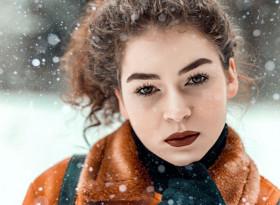 Най-добрите продукти за укрепване на косата през зимата