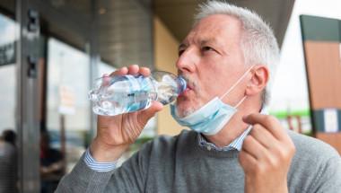 Мъж едва не умрял, изпивайки ежедневно по 5 литра вода!