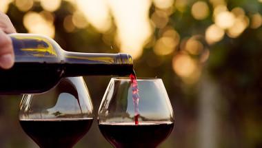 Пълна глупост е, че червеното вино защитава от инфаркт
