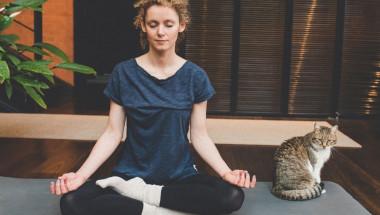 4 дихателни практики за здрав стомах