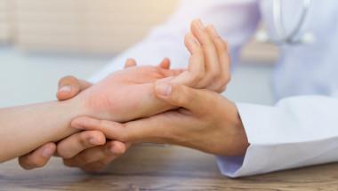 Зачервените длани – сигнал за неалкохолен стеатохепатит