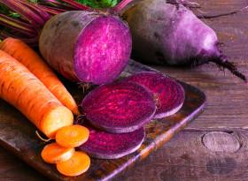 Яжте морковите и червеното цвекло сурови, за да слабеете