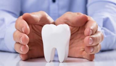 Коронка или пломба - зависи от състоянието на зъба