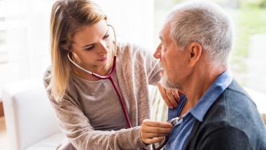 Може ли личният лекар да откаже домашно посещение?