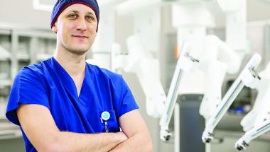 Д-р Лъчезар Танчев, д.м.: Последният клас на робота Да Винчи Хi дава възможност за две операции едновременно