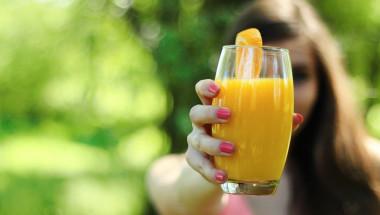 Лекар изброи кои напитки са абсолютно забранени да се пият на гладно