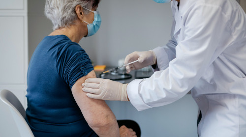С какъв лекар да се консултирам за ваксина срещу COVID-19?