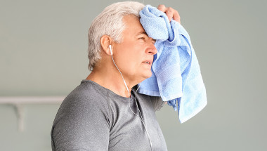 Внезапното изпотяване – чест симптом на сърдечен пристъп