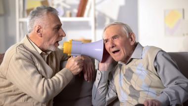 Проблемите със слуха - признак на старческо слабоумие