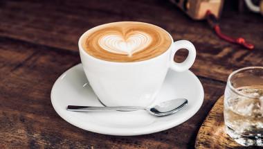 Кафето и енергийните напитки – скритият враг на сърцето