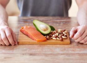 Възрастните хора не бива да намаляват белтъчините в храната