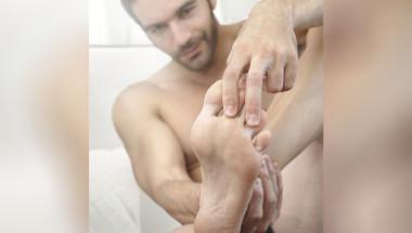 Разпознайте проблемите с черния дроб по... краката