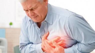 Кардиолог разказа за неочакван симптом преди инфаркт: Викайте линейка, ако...