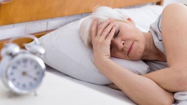 Мелатонинът подобрява съня на жените в менопауза