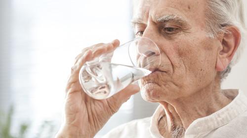 Силицият във водата предпазва от деменция